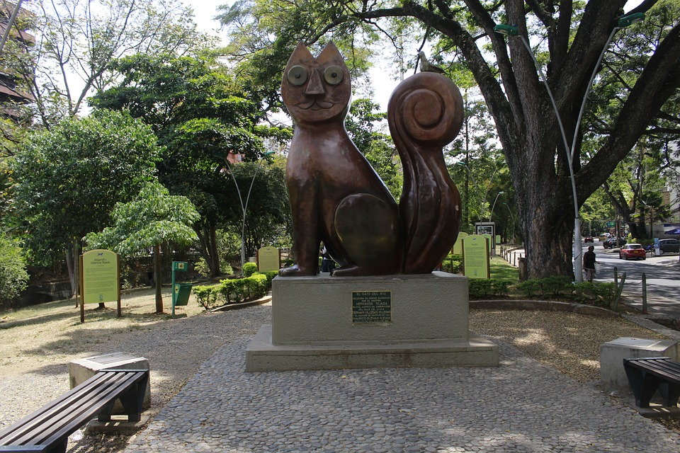 Cat statue in Cali, Colombia